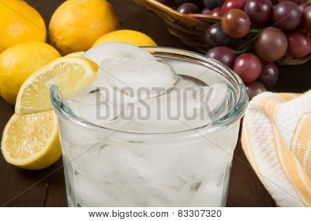 Sparkling Water Wiht Lemon