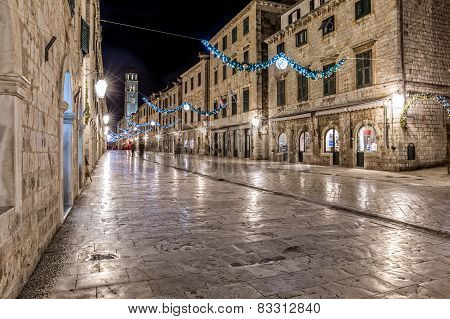 Dubrovnik Stradun in the night