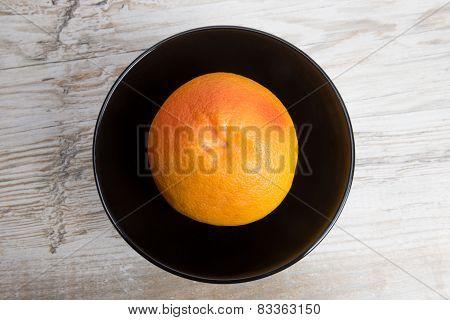 Grapefruit Is A Black Bowl
