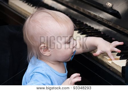 Child With The Piano
