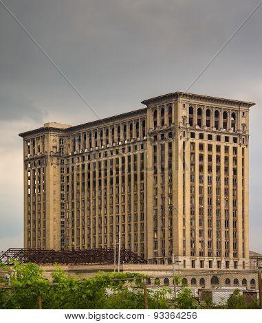 Renovating Detroit Landmark