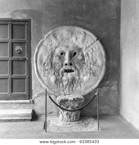 La Bocca Della Verità (english: The Mouth Of Truth)