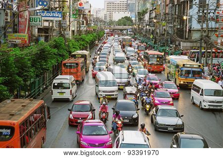 Ordinary Big Traffic Flows On Roads Bangkok
