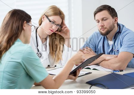 Conversation In Doctors Room