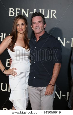 LOS ANGELES - AUG 16:  Lisa Ann Russell, Jeff Probst at the