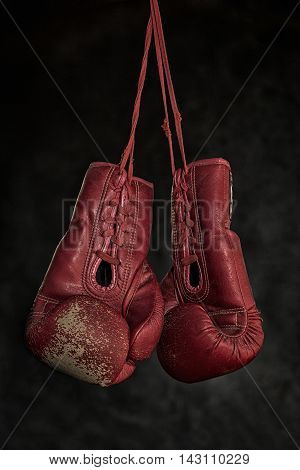 Quit boxingOld boxing gloves The concept of retirement