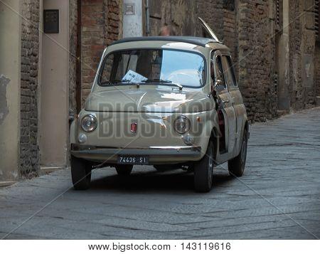 Fiat 500 Car In Siena