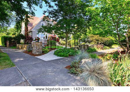 American Craftsman House Exterior. Nice Landscape Desing Around.