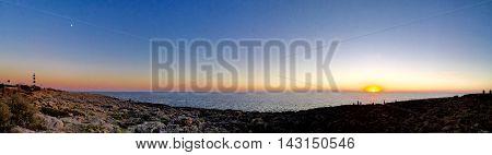 Puesta de Sol preciosa desde el far d'Artrutx, en la paradisíaca isla de Menorca