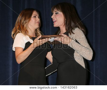 LOS ANGELES - AUG 15:  Elizabeth Hendrickson, Kate Linder at the