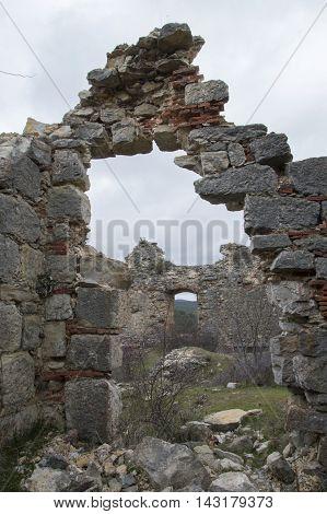 Small Arch at the Castle of San Leonardo de Yague