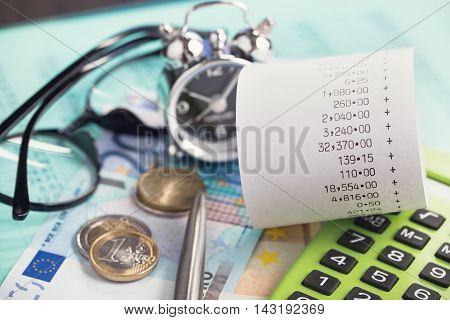 Financial difficulties and personal finances planning vertical