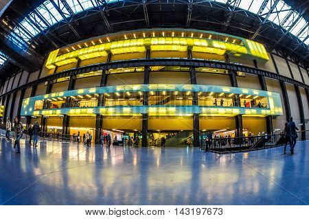 Tate Modern Turbine Hall In London (hdr)