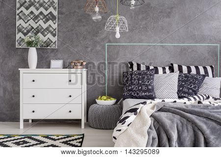 Modern Bedroom With Pattern Details