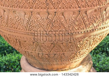 Art of the beautiful patterns on soil jar.