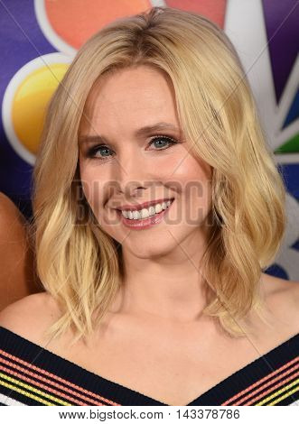 LOS ANGELES - AUG 02:  Kristen Bell arrives to the NBC Universal TCA Summer Press Tour 2016 on August 02, 2016 in Beverly Hills, CA
