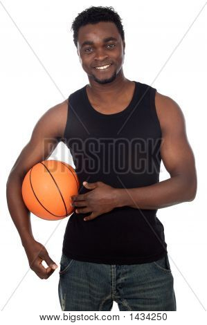 Attraktive junge Person mit Basketball Ball