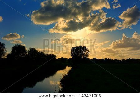 a beautiful picture with the sky. everything looks perfect. stunning picture. detailed