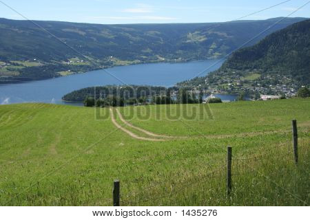 Fagernes - The Lake And The City
