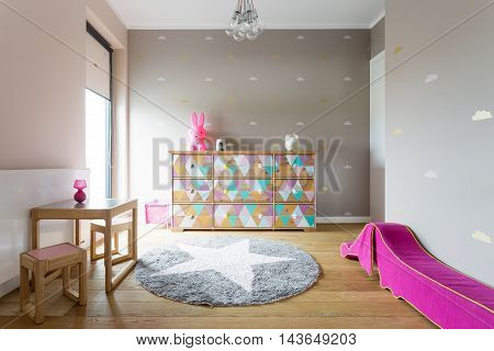 Colourful But Stylish Decor Of A Girl's Room
