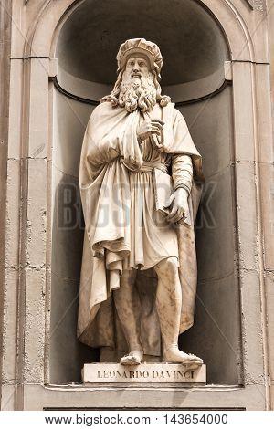 Statue of Leonardo DaVinci in Florence Italy.