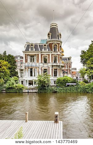 An image of a beautiful house in Amsterdam
