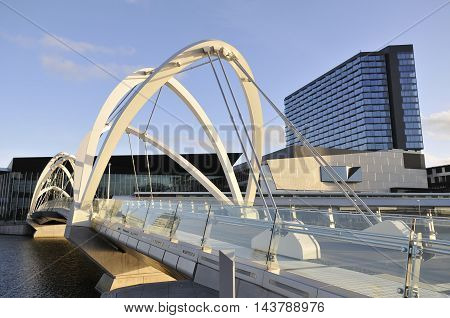 Bridge over Yarra River, and building in Melbourne.