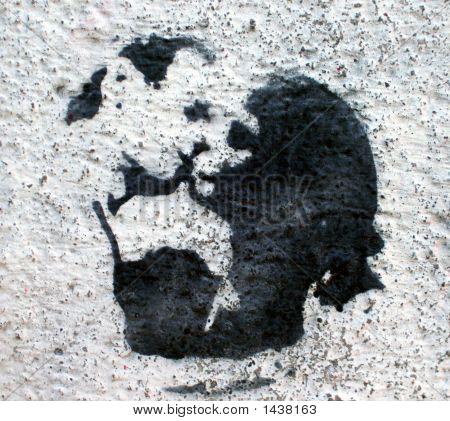 Grafitti Stencil Kissing Couple
