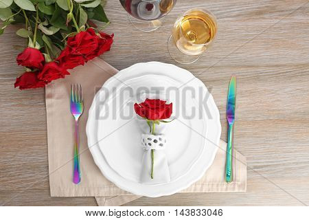 Beautiful table setting with flowers