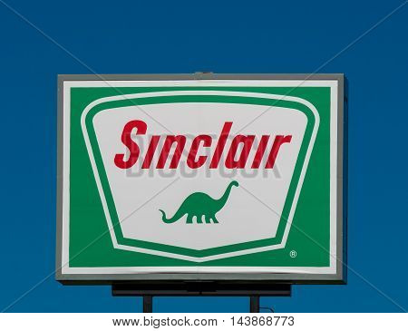 Sinclair Oil Sign And Logo