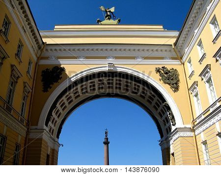 The triumphal arch of the General staff in St. Petersburg, Russia