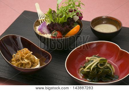 Fresh vegetables of farmers directly in a flavorful dipping sauce with the Udo Akita Prefecture Shirakami Mountain
