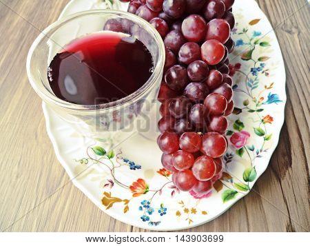 Fresh Grape juice by some Grape vines