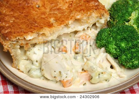 Chicken & vegetable pie with broccoli