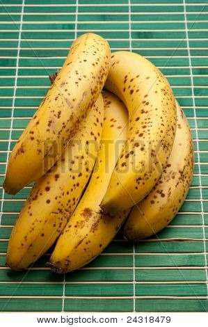 some ripe bananas