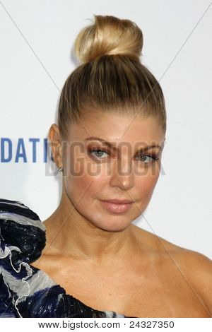 LOS ANGELES - OCT 14:  Fergie aka Stacey Ferguson arriving at the Clinton Foundation