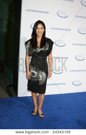 .LOS ANGELES - OCT 14:  Michelle Kwan arriving at the Clinton Foundation