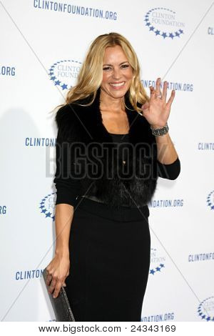 .LOS ANGELES - OCT 14:  Maria Bello arriving at the Clinton Foundation