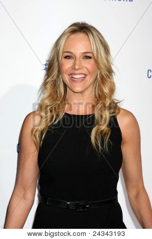 .LOS ANGELES - OCT 14:  Julie Benz arriving at the Clinton Foundation