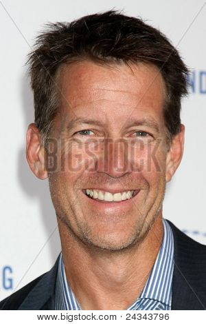 .LOS ANGELES - OCT 14:  James Denton arriving at the Clinton Foundation