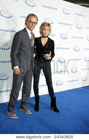.LOS ANGELES - OCT 14:  Janet Fonda arriving at the Clinton Foundation