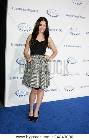 .LOS ANGELES - OCT 14:  Lily Collins arriving at the Clinton Foundation