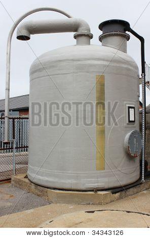 Salt tank