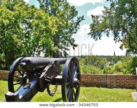 Civil War Cannon at Chatham Manor