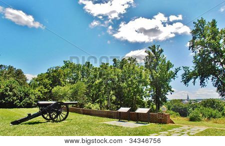 Civil War Cannon at Chatham Manor