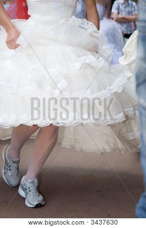 Runing Bride