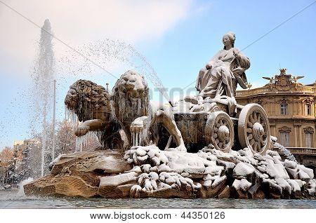 A frozen Cibeles fountain