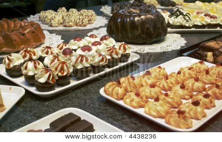Sweetness Cakes