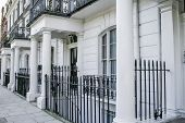 pic of kensington  - Beautiful terraced Edwardian houses in London - JPG
