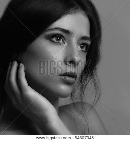 Beautiful Thinking Woman Face Looking. Closeup Black And White Portrait